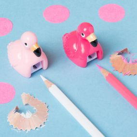 TAILLE CRAYON FLAMINGO ROSE FONCE